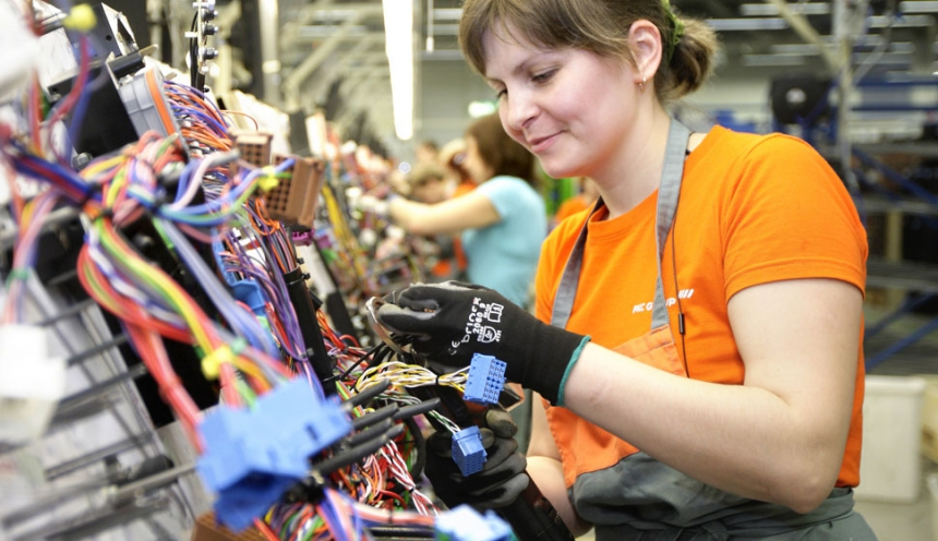 alasivut_kuvasarja1_1 860x9999 poland pkc group pkc wire harness at mifinder.co